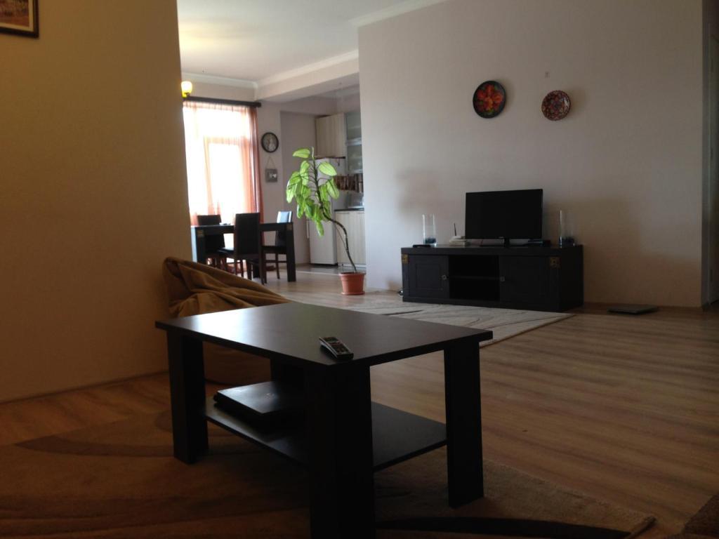 Pshavela apartment r servation gratuite sur viamichelin for Canape tbilisi