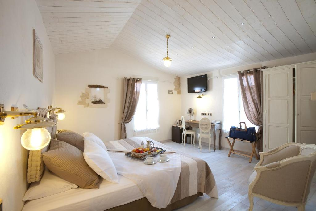 Chambre du0026#39;hu00f4tes Hu00f4te des Portes u00cele de Ru00e9 - Ru00e9servation gratuite ...
