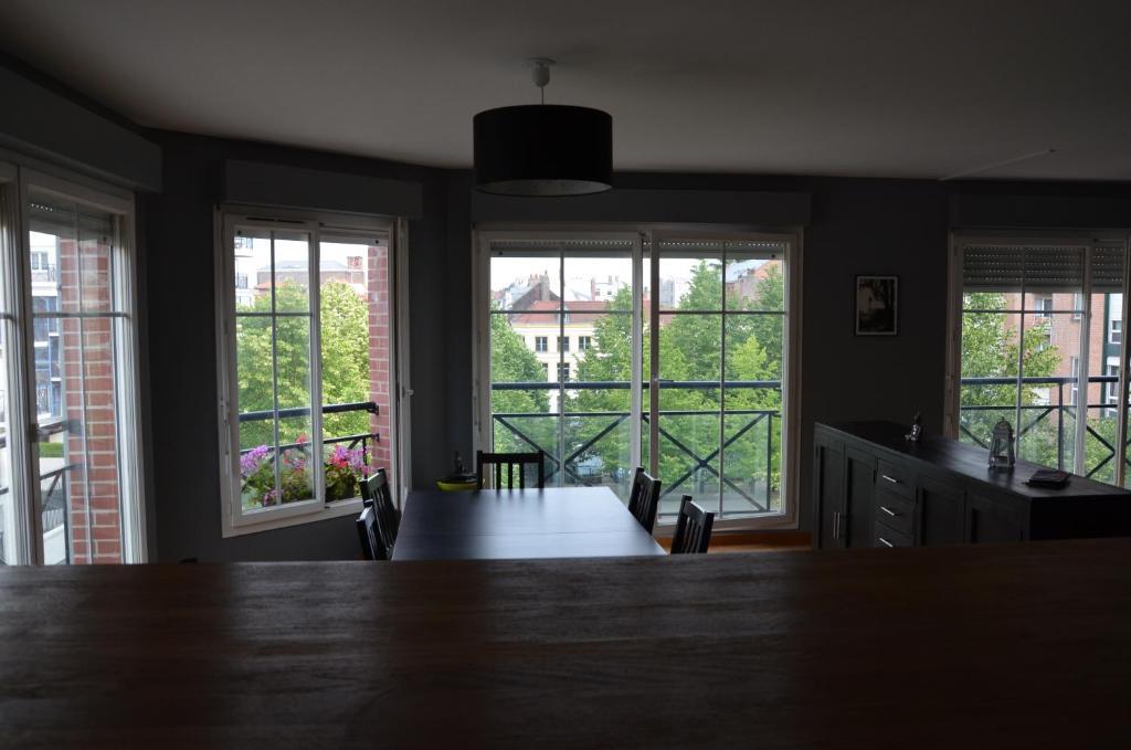 appartement vieux lille locations de vacances lille. Black Bedroom Furniture Sets. Home Design Ideas