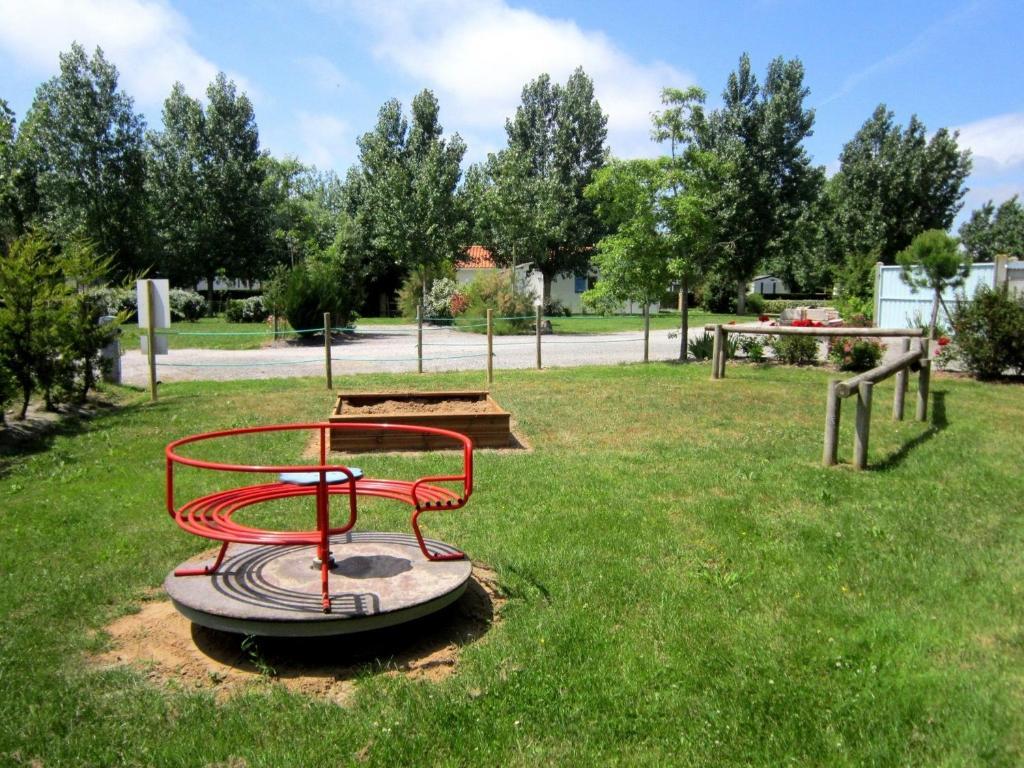 Domaine le jardin du marais camping au perrier en vend e for Camping au jardin