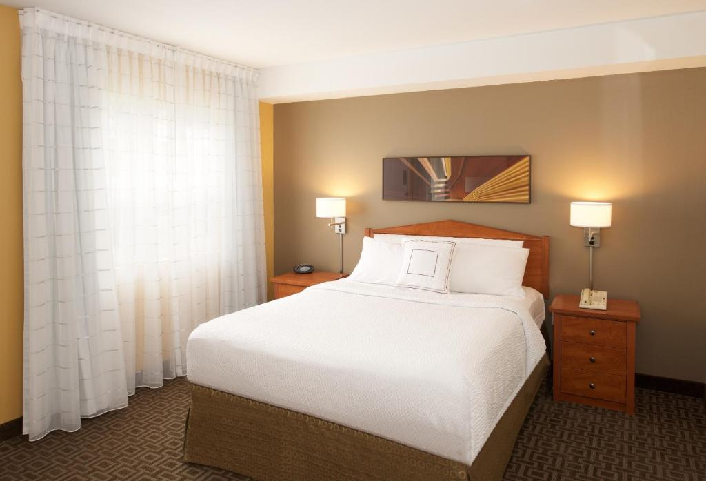 Towneplace suites by marriott seattle everett mukilteo - Divano speedway recensioni ...