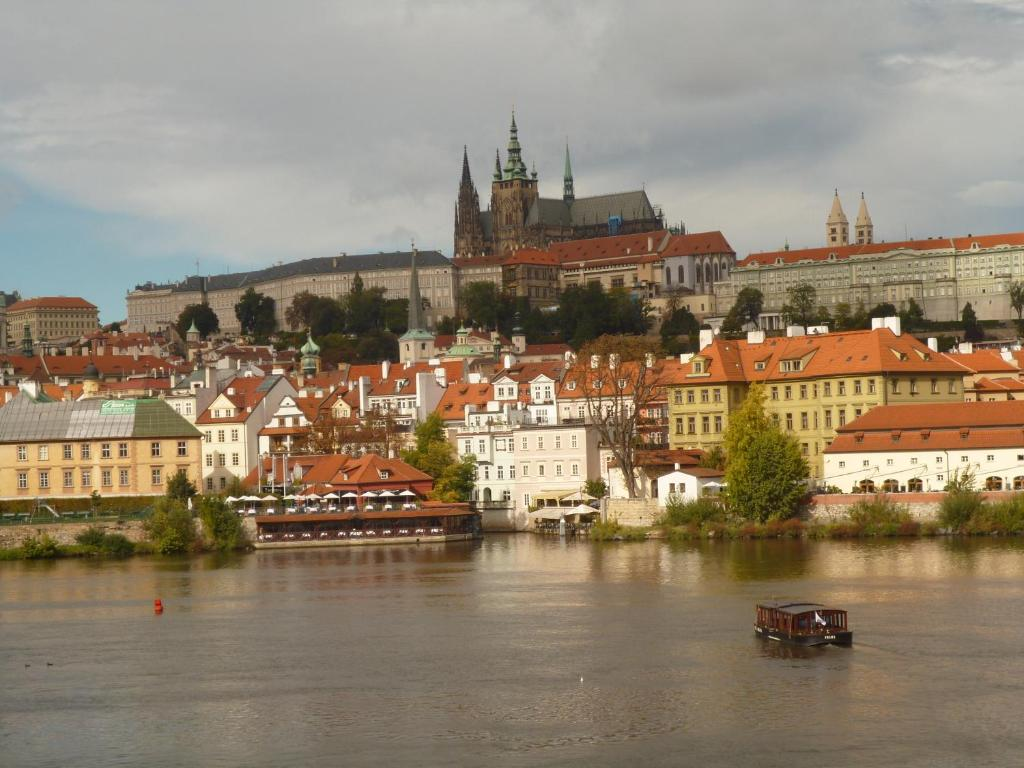 Boho prague hotel r servation gratuite sur viamichelin for Hotel reservation in prague