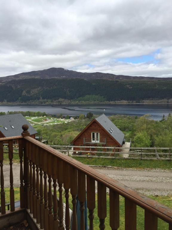 Foyer House Loch Ness : Lodges on loch ness inverness book your hotel with