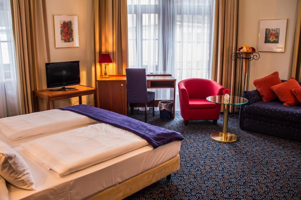 stadthotel costanza prenotazione on line viamichelin. Black Bedroom Furniture Sets. Home Design Ideas