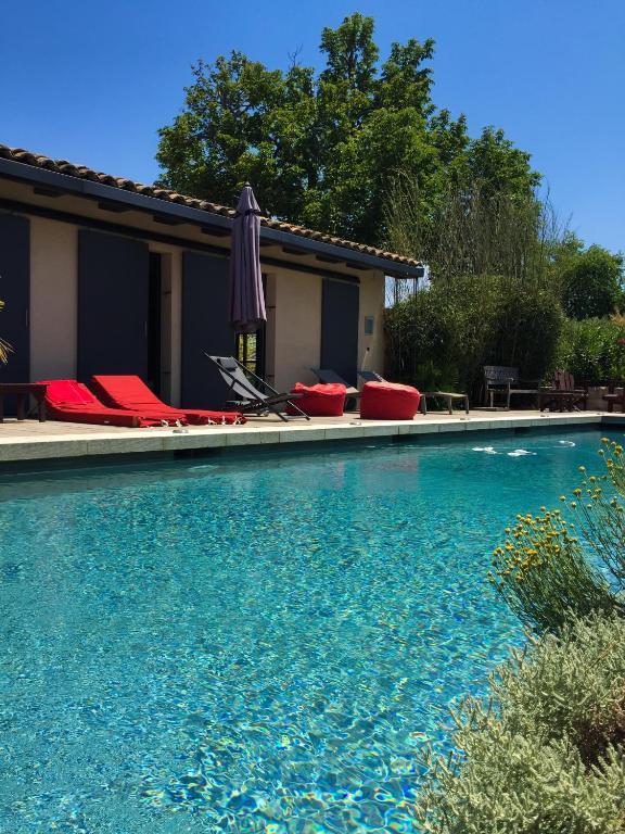 Chambre d 39 h tes le patio chambre d 39 h tes aix en provence dans les bouches du rh ne 13 - Chambre d hotes aix en provence piscine ...