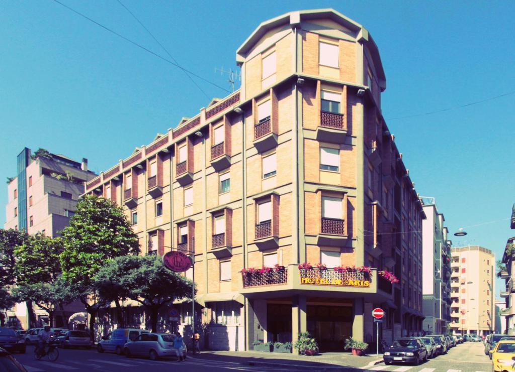 Hotel de paris terni book your hotel with viamichelin for Booking paris hotel