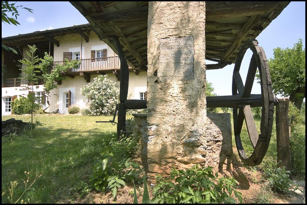 Agriturismo castello di bagnolo bagnolo piemonte prenotazione on line viamichelin - Piscina bagnolo ...
