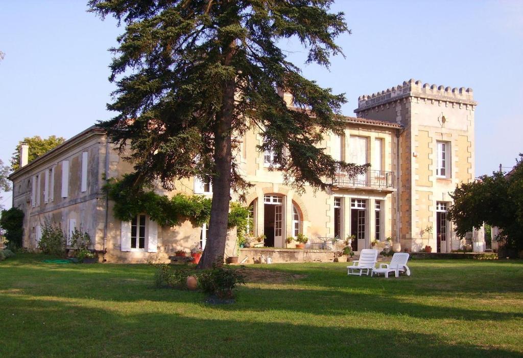chambres d'hôtes château les tours seguy, chambres d'hôtes saint