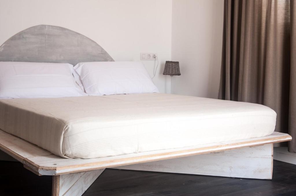 Hostal bon sol r servation gratuite sur viamichelin for Bon de reservation hotel