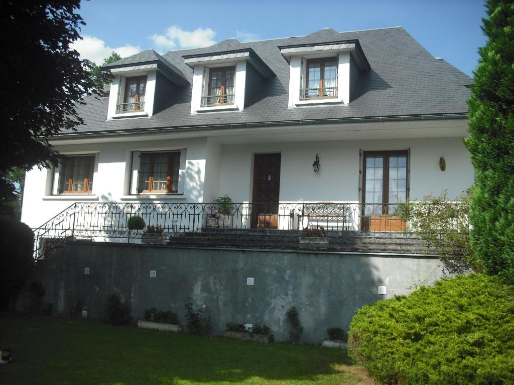 Chambres d 39 h tes la plantade lannemezan online booking for Chambre hote booking