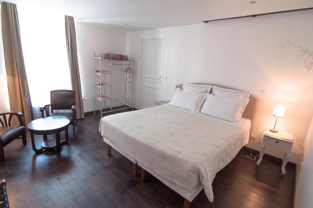 relais du beffroi chambres d 39 h tes abbeville prenotazione on line viamichelin. Black Bedroom Furniture Sets. Home Design Ideas