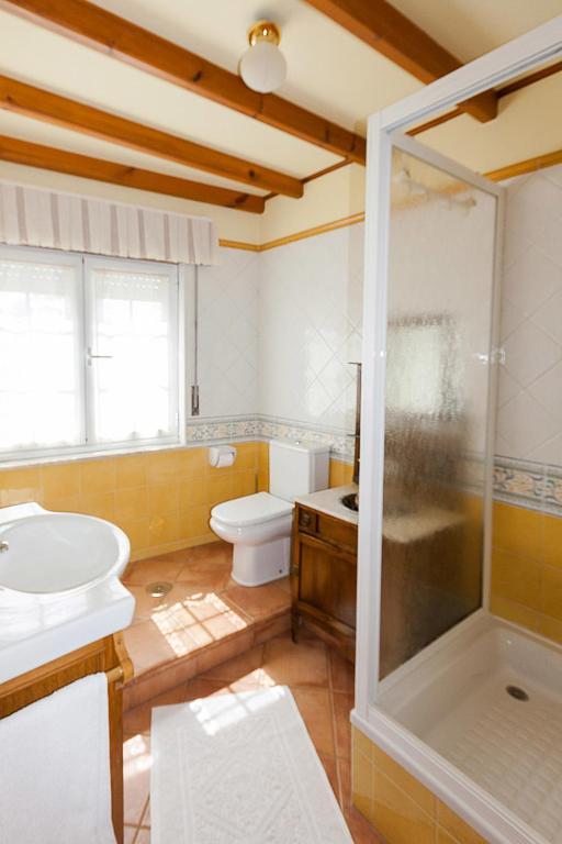 Hostal asensio calvario reserva tu hotel con viamichelin for Muebles portugal valenca