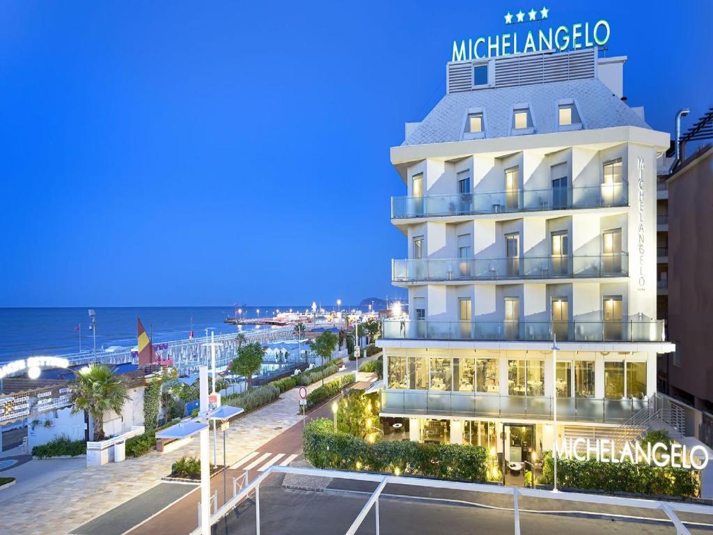 Hotel michelangelo riccione informationen und buchungen online viamichelin - Bagno 60 riccione ...
