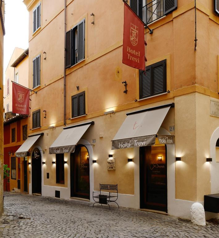 hotel trevi rome book your hotel with viamichelin
