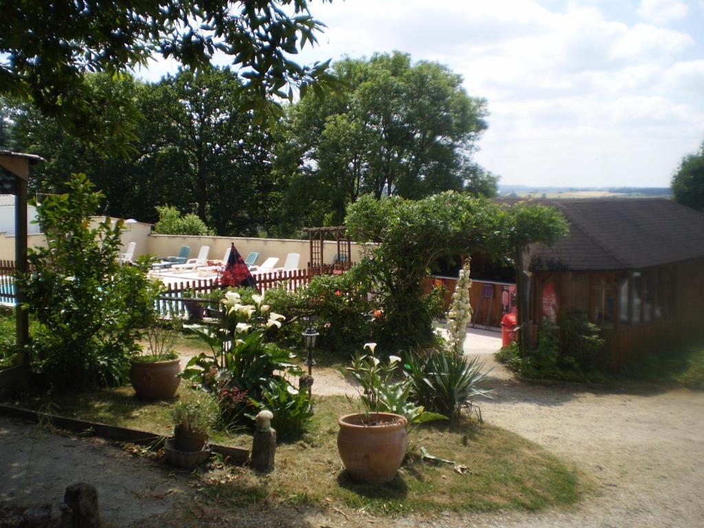 Camping Le Bois Jahan - Camping le Bois Jahan, Locations de vacances Brunelles