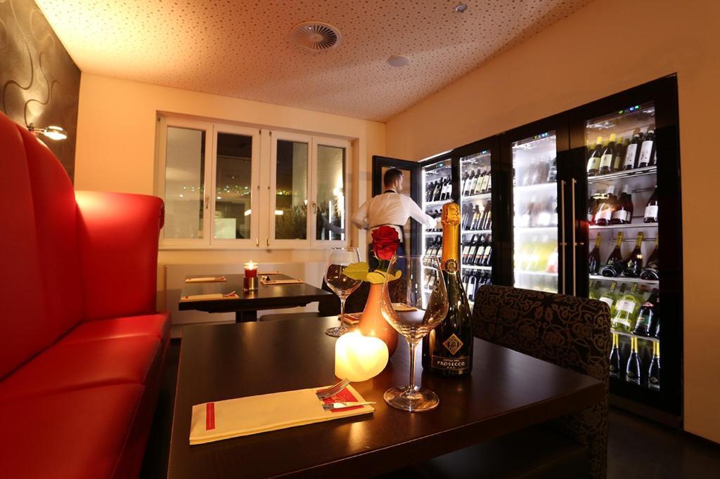 mille stelle hotel karlsruhe online booking viamichelin. Black Bedroom Furniture Sets. Home Design Ideas