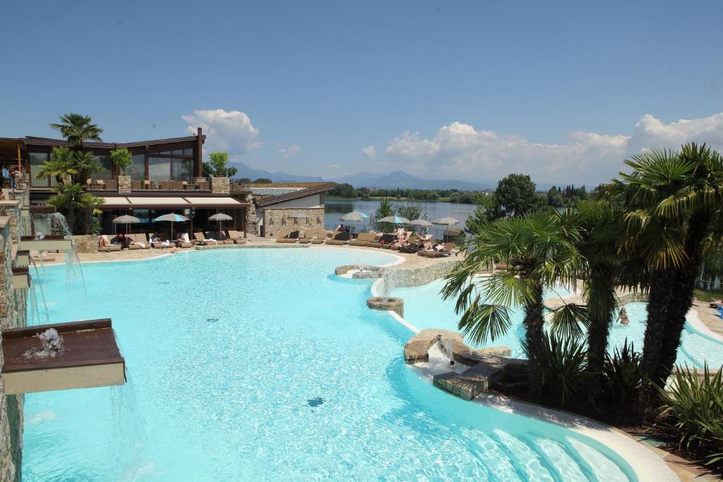 Le ali del frassino peschiera del garda prenotazione on line viamichelin - Hotel lago di garda con piscina ...
