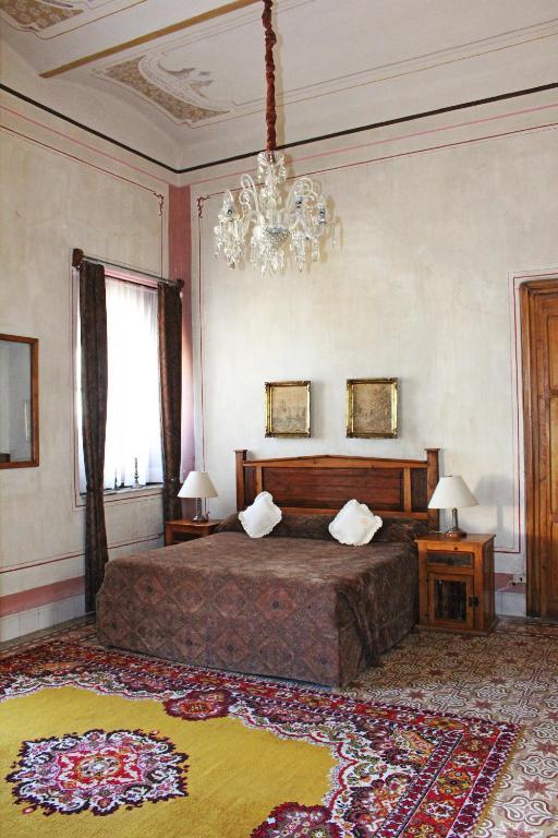 Hotel boutique casa de la palma puebla de zaragoza for Habitaciones familiares zaragoza