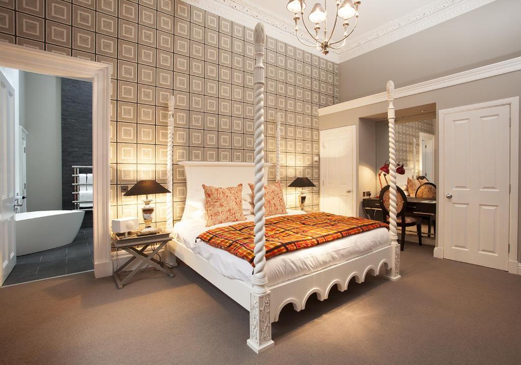 50070815 - The Rutland Hotel