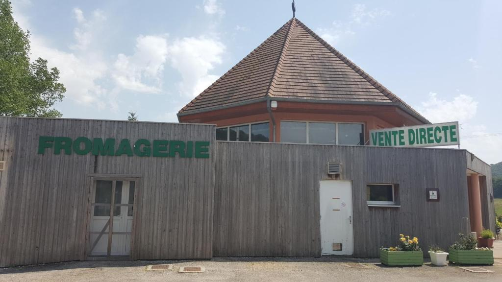Grange De Vaivre Hotel Restaurant La Terrasse