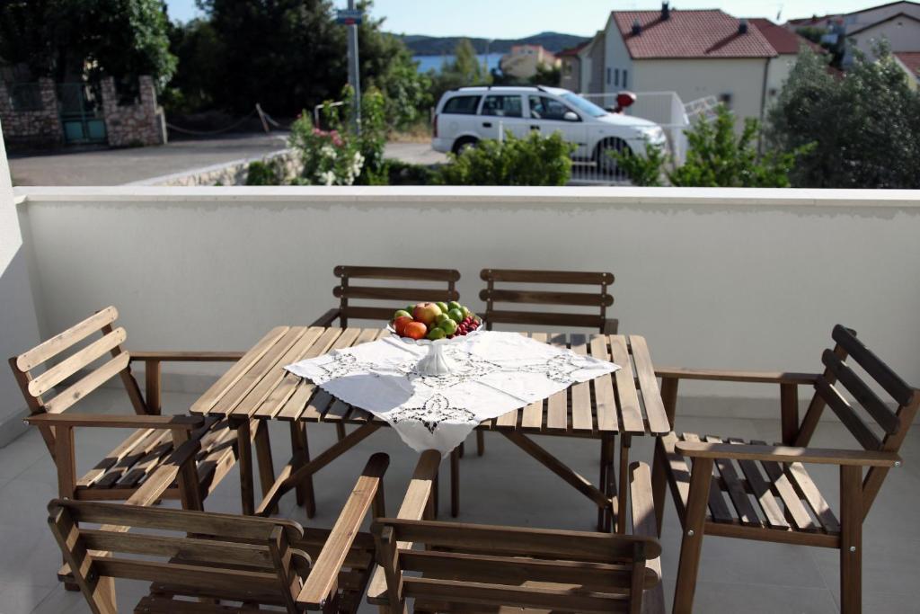 Apartments Plavi Amp Žuti Ibenik Book Your Hotel With