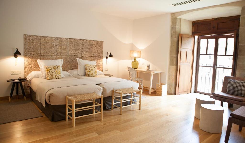 Parador de corias cangas del narcea reserva tu hotel for Habitaciones familiares paradores