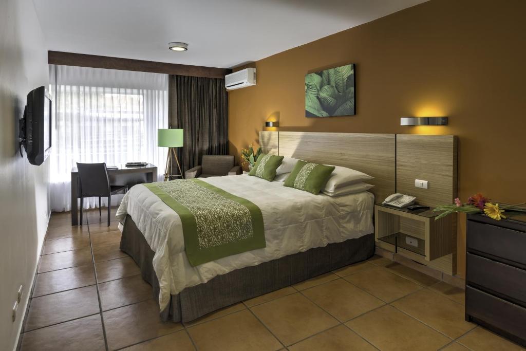 Gay Hotel Villa Roca In Quepos