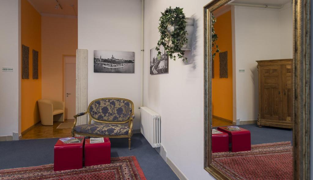 apartment hotel konstanz konstanz viamichelin. Black Bedroom Furniture Sets. Home Design Ideas