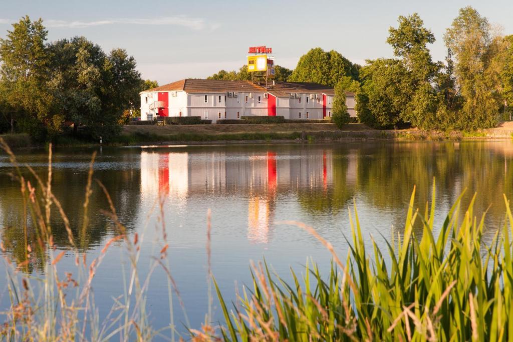 P'tit Dej-Hôtel Bordeaux Lac