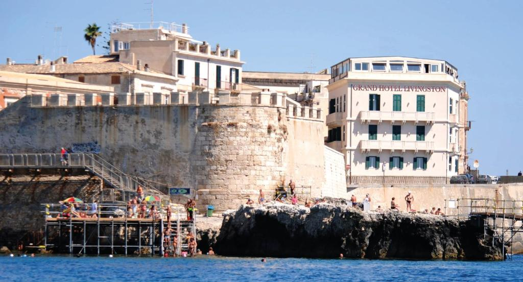 Hotel livingston syracuse book your hotel with viamichelin for Siracusa hotels