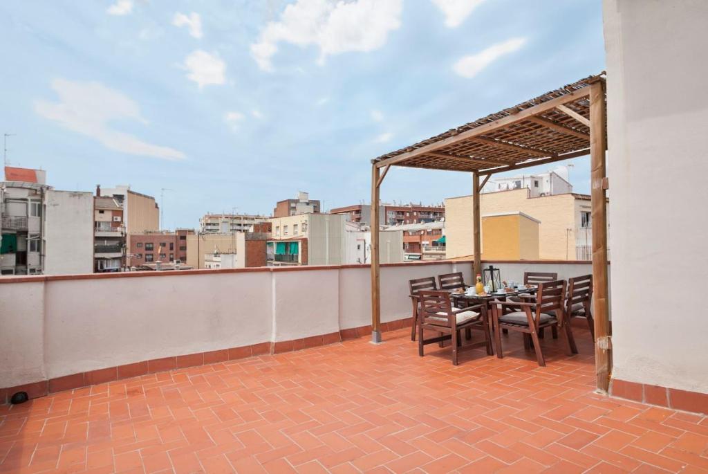 Apartamentos tenor r servation gratuite sur viamichelin for Appart hotel 08028