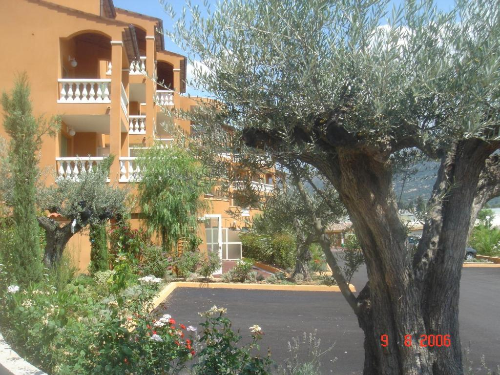 rsidence lou castelet holiday residences in carros in les alpes maritimes 06 - Lou Castelet Carros Mariage