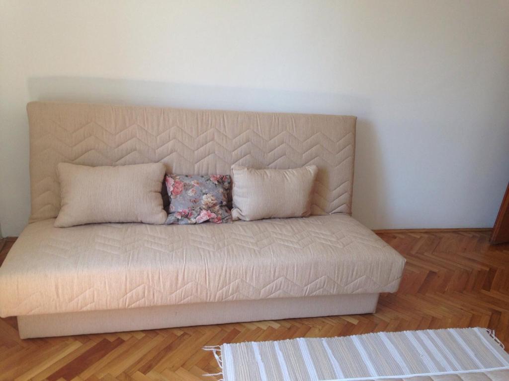 Ella Apartments Reviews