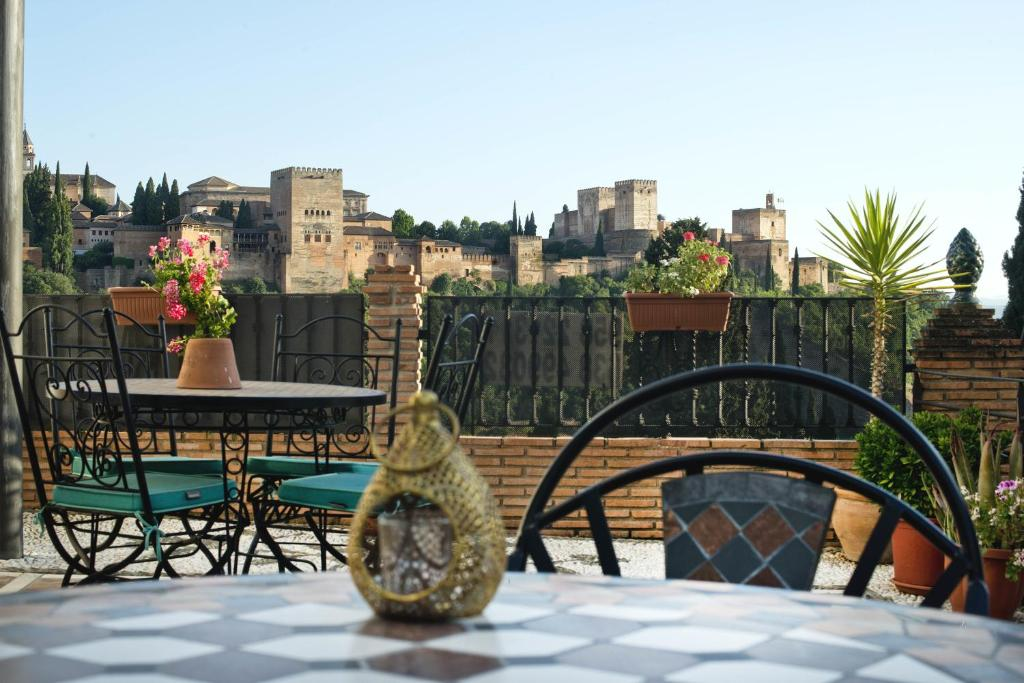 Apartamentos Montesclaros Granada Online Booking Viamichelin