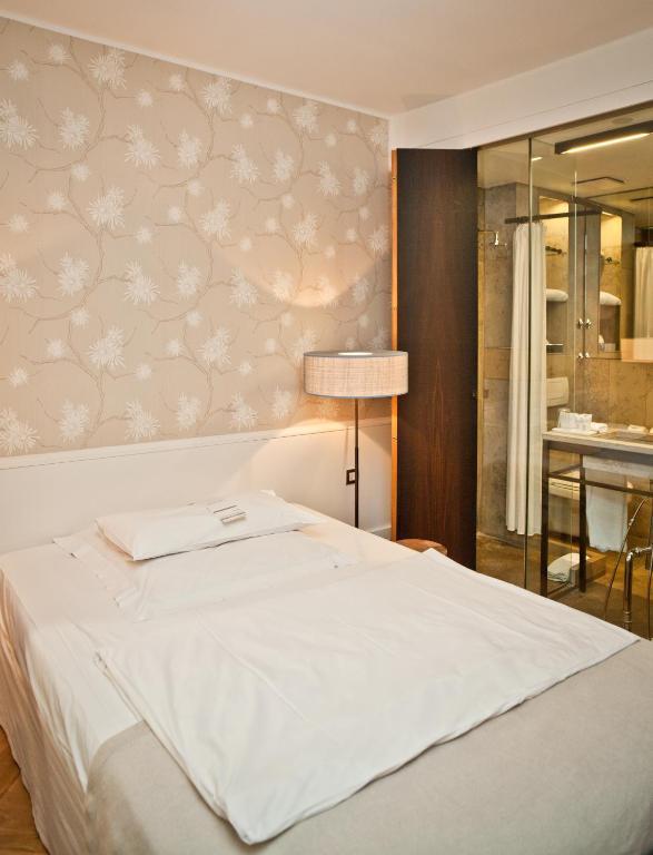 cortiina hotel m nchen reserva tu hotel con viamichelin. Black Bedroom Furniture Sets. Home Design Ideas