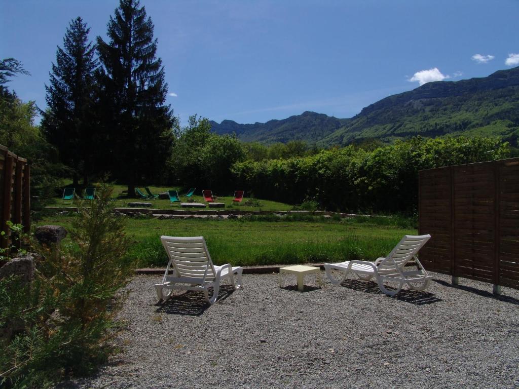 Au sans souci r servation gratuite sur viamichelin - Petit jardin hotel san juan saint paul ...