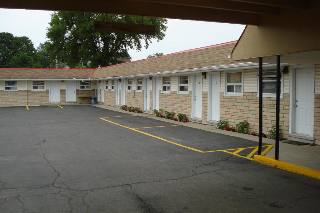 Eastcourt london motel london reserva tu hotel con for Motel con piscina privada