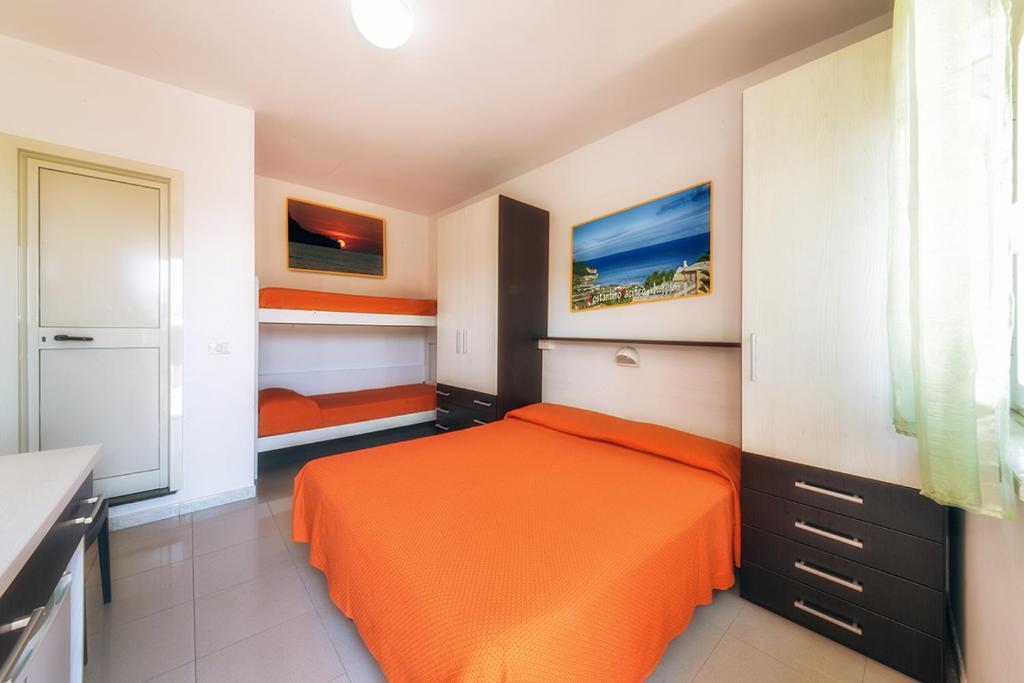 Hotel incontro peschici reserva tu hotel con viamichelin for Habitaciones familiares italia