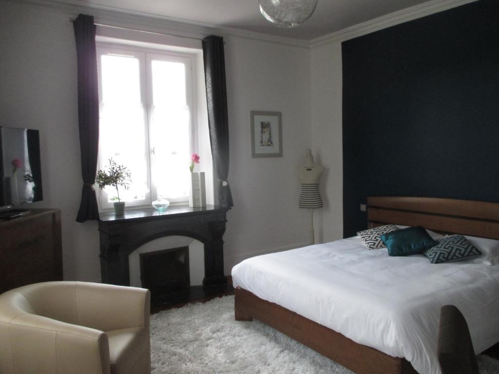 h tel le saint martin sabl sur sarthe informationen und buchungen online viamichelin. Black Bedroom Furniture Sets. Home Design Ideas
