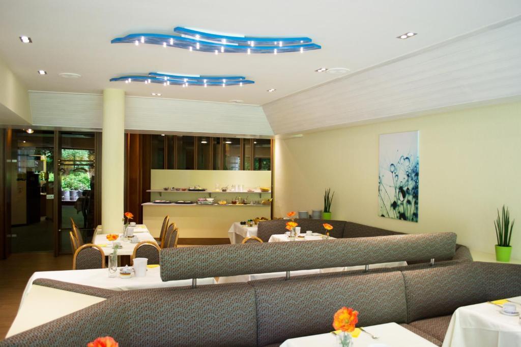 Hotel Quellenhof Garni Mit Thermalbad Bad Urach Online