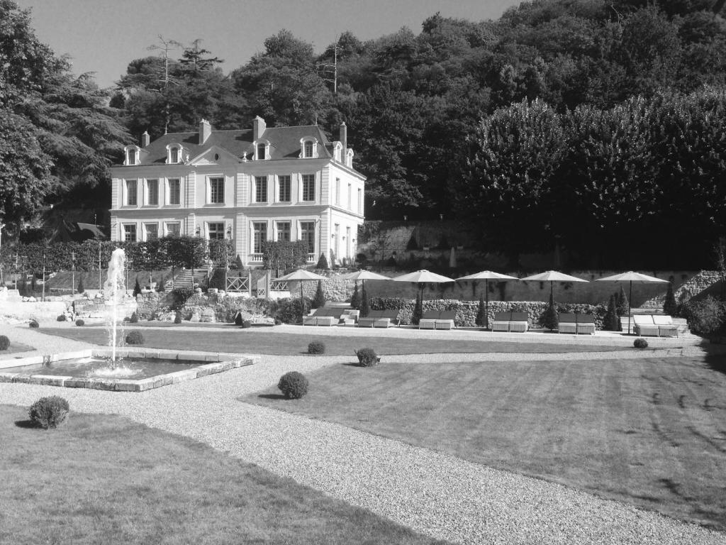 Ch teau de l 39 olivier rochecorbon book your hotel with for Chateau olivier