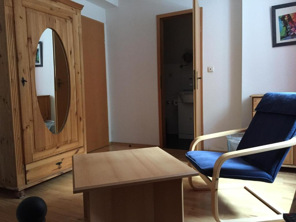 jugend hotel n rnberg g stezimmer n rnberg. Black Bedroom Furniture Sets. Home Design Ideas