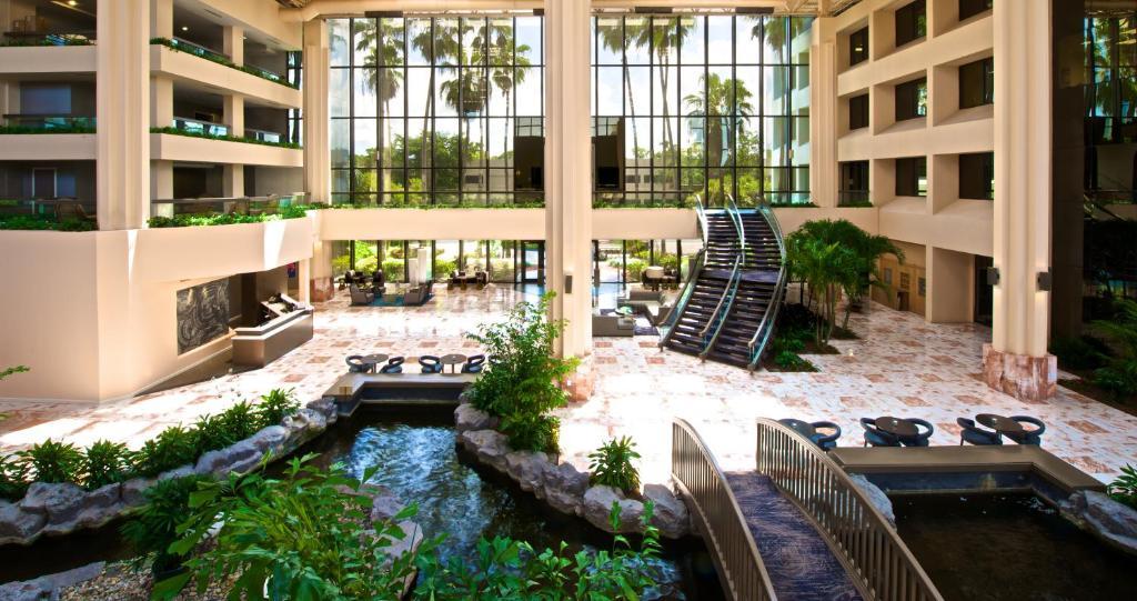 Embassy Suites Palm Beach Gardens Pga Boulevard Palm Beach Gardens Online Booking