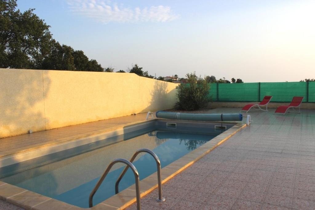 Villa avec piscine priv montesquieu prancis for Hotel perpignan avec piscine