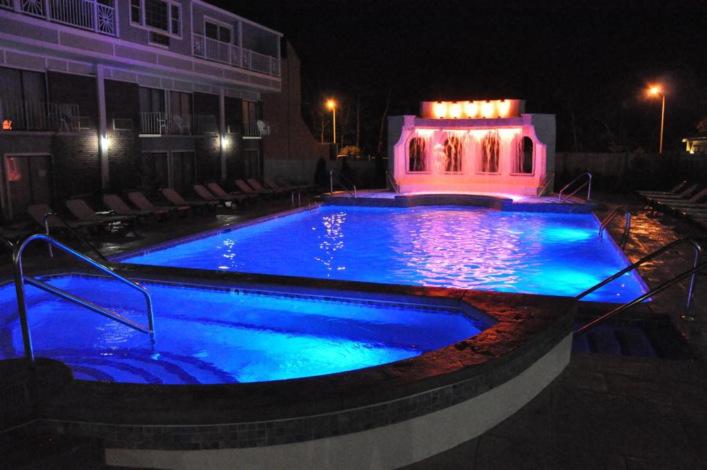 cape codder resort spa hyannis book your hotel with. Black Bedroom Furniture Sets. Home Design Ideas