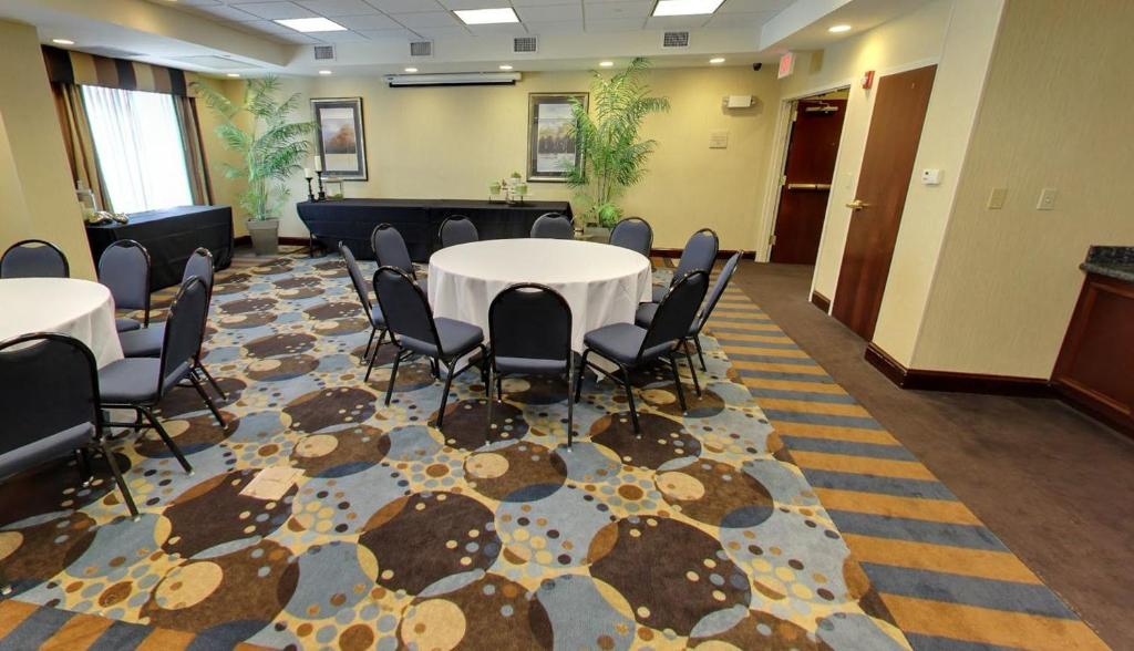 Hilton Garden Inn Jacksonville Orange Park Orange Park Book Your Hotel With Viamichelin