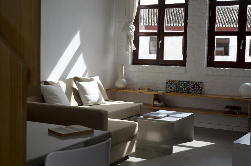 Appartementen smart suites albaicin holiday houses granada for Licht interieur plaza