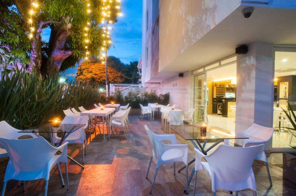 Hotel ms ciudad jardin plus cali book your hotel with for Bares ciudad jardin cali