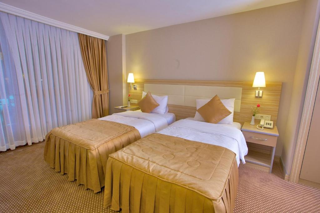 Laleli emin hotel istanbul book your hotel with for Cheap hotels in istanbul laleli