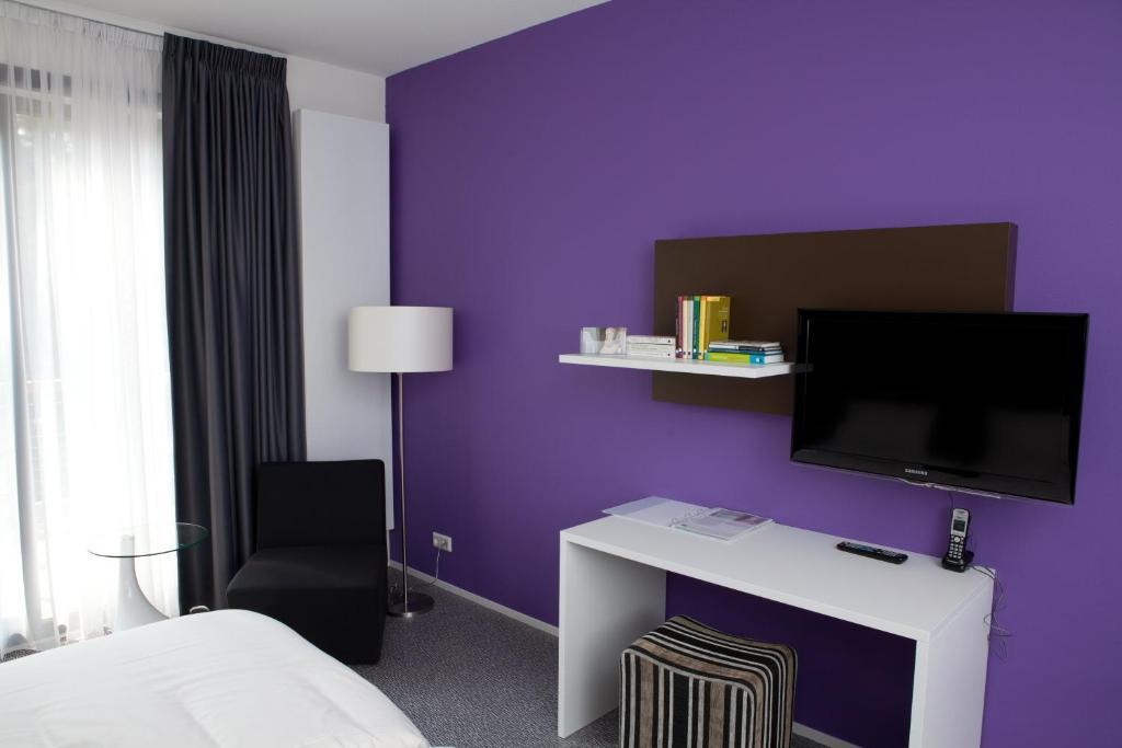 Landgoed isvw amersfoort viamichelin informatie en online reserveren - Beige kamer en paarse ...